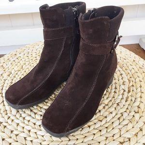 Blondo waterproof suede ankle boots